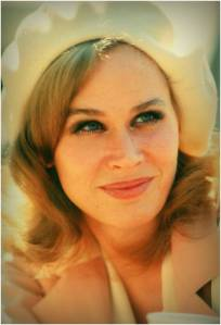1976_KarenBlack_BurntOfferings_pose